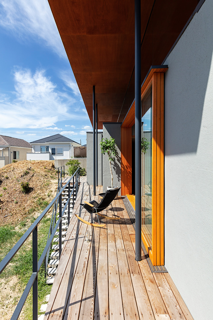 Ausgefallener Balkon, Veranda & Terrasse von HAMADA DESIGN Ausgefallen