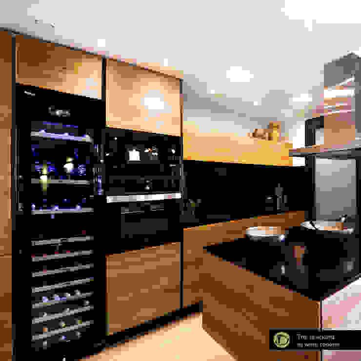 Cantinetta vino con incasso a colonna Cantina moderna di Datron | Cantinette vino Moderno