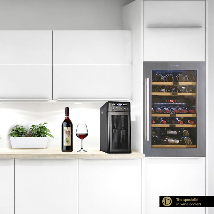 Cantinetta vino con incasso a forno Cantina moderna di Datron | Cantinette vino Moderno