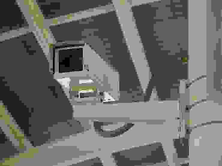 Residential security camera installation in Los Angeles first digital surveillance Los Angeles Salas de estilo moderno Cobre/Bronce/Latón Ámbar/Dorado