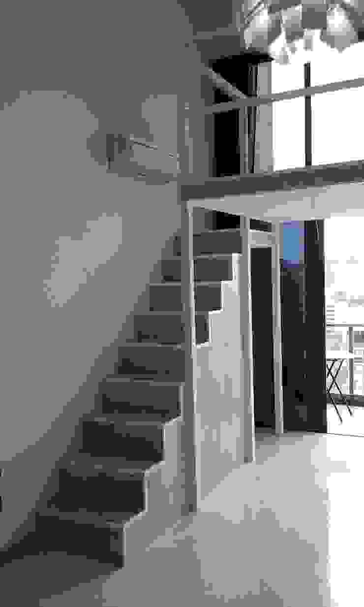 Bed Loft in a Condominum Living Area Minimalist living room by BedLoft Minimalist