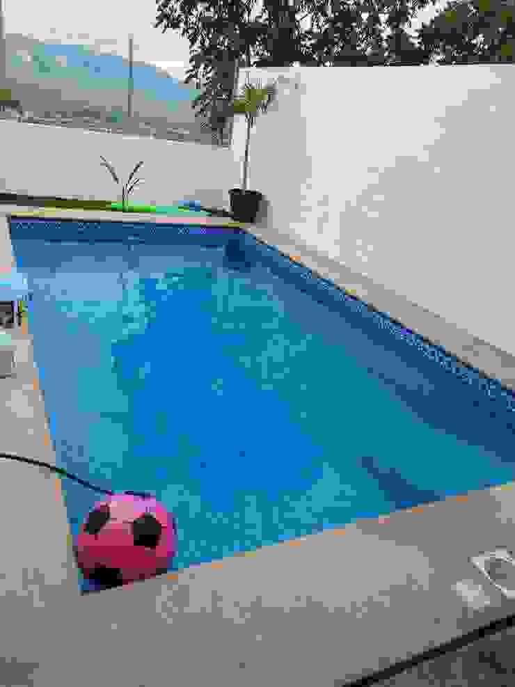 SERVICIOS Y ACABADOS PARA LA CONSTRUCCION Classic style pool Concrete Blue