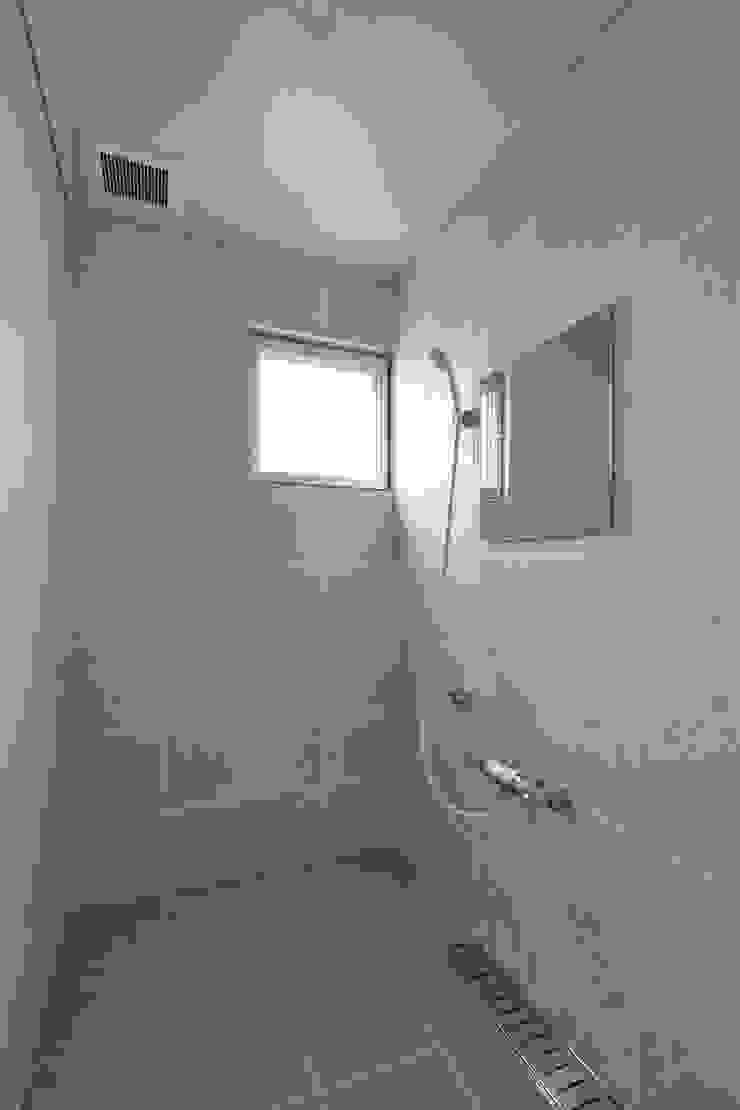 Modern bathroom by プラソ建築設計事務所 Modern
