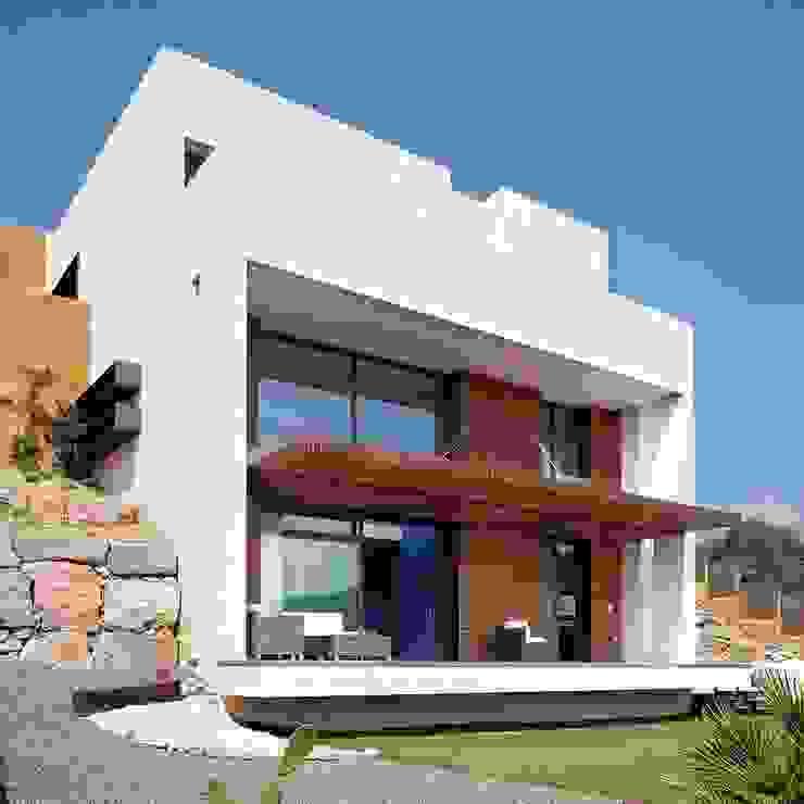 Esteve Arquitectes Rumah tinggal Batu White