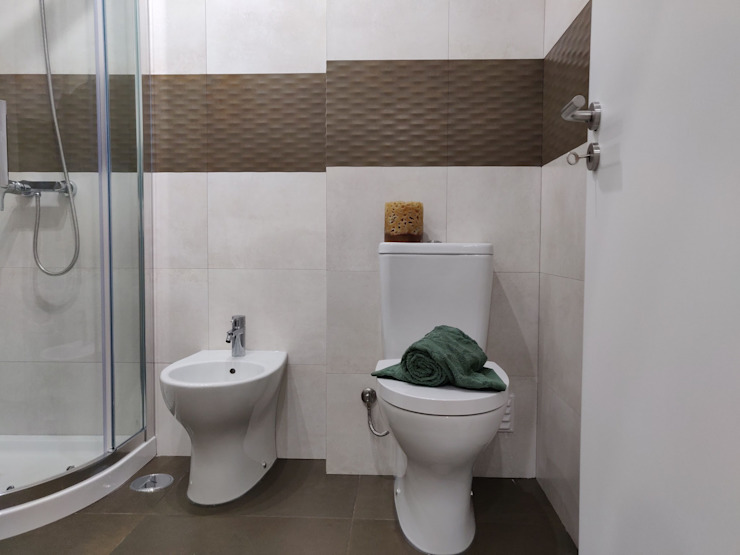 C evolutio Lda Modern bathroom Tiles Beige