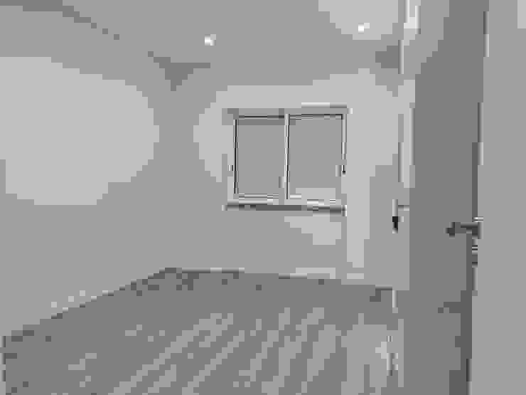 C evolutio Lda Modern style bedroom White