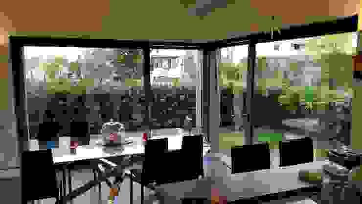 Moderne Fenster & Türen von PIEMMEGI SRL Modern Aluminium/Zink