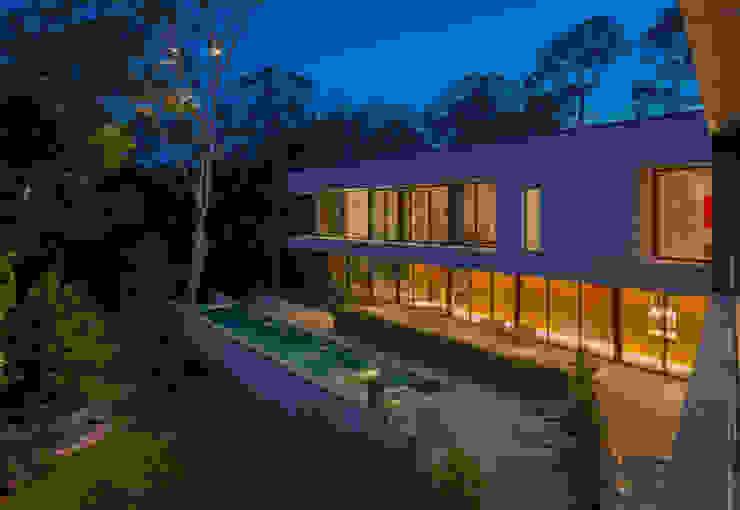 Bleyzer House by DH and Design 모던 콘크리트