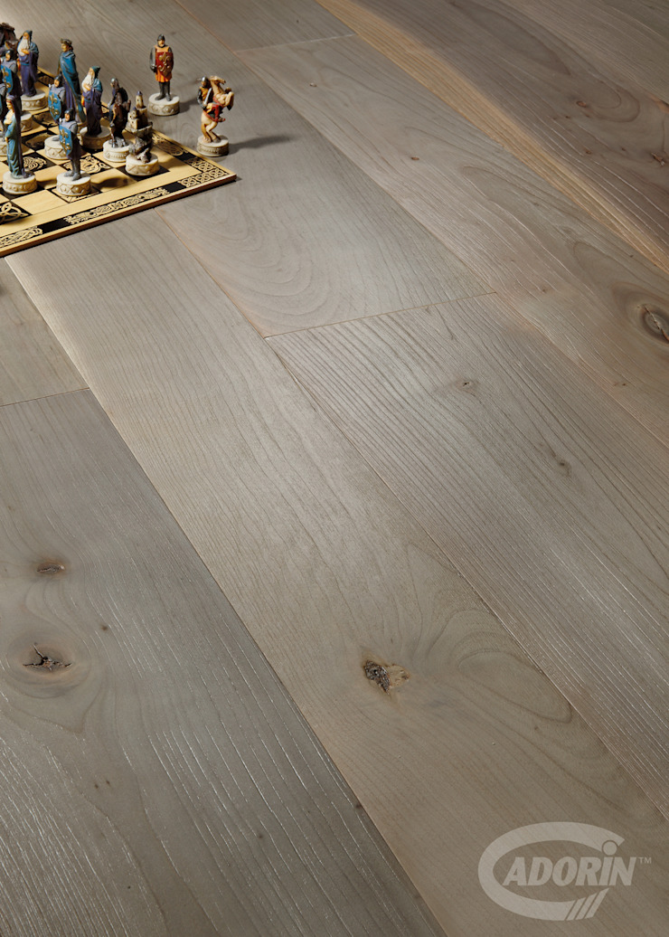19th Century Cherry, Brushed, Bark varnished от Cadorin Group Srl - Top Quality Wood Flooring Модерн