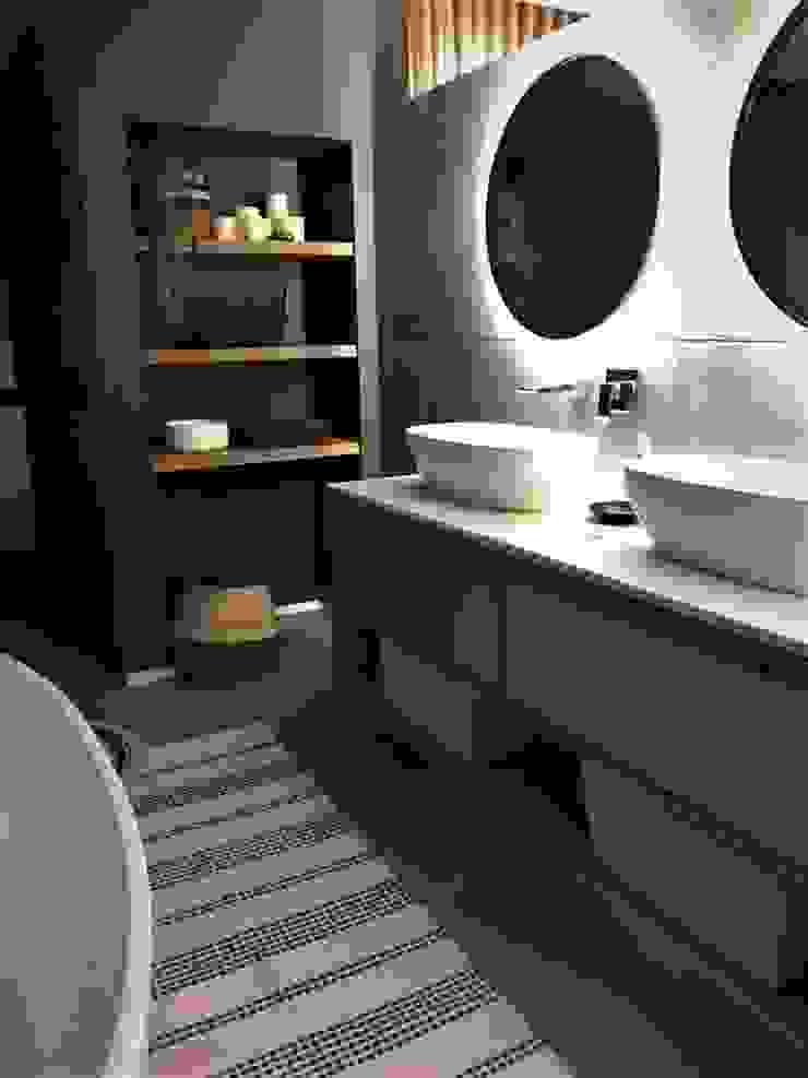 4: modern  by Duvenci Interiors, Modern Wood Wood effect