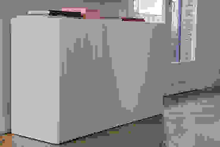 Mueble TV de nimú equipo de diseño Moderno Derivados de madera Transparente