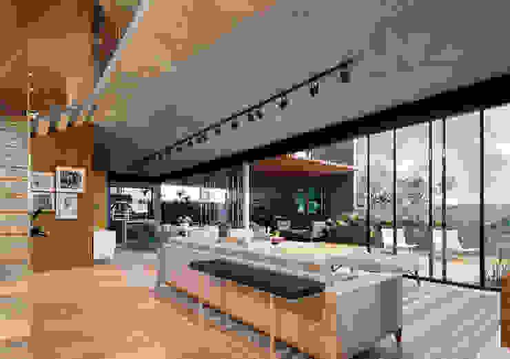 Lozí - Projeto e Obra Salones de estilo industrial