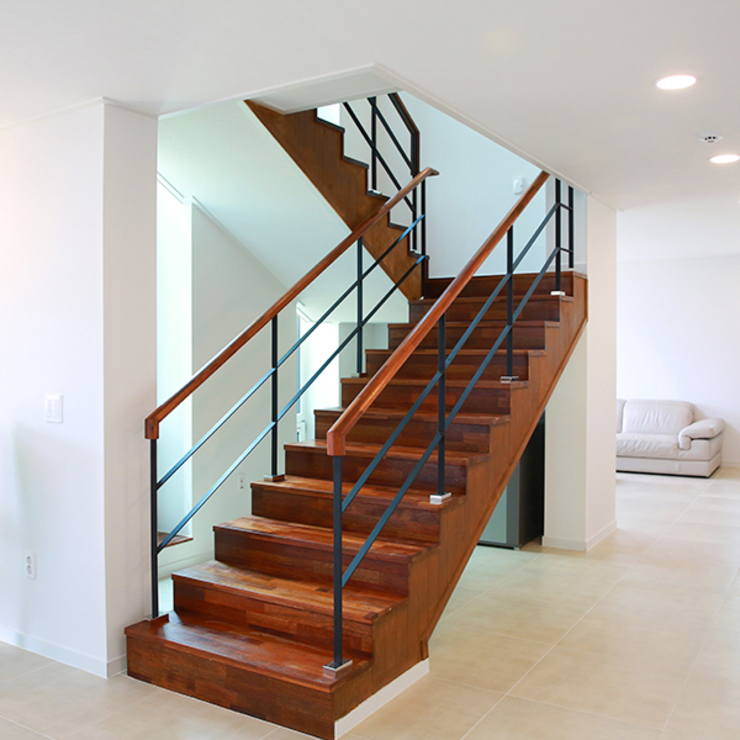 오픈형 계단실 by 한글주택(주) 클래식