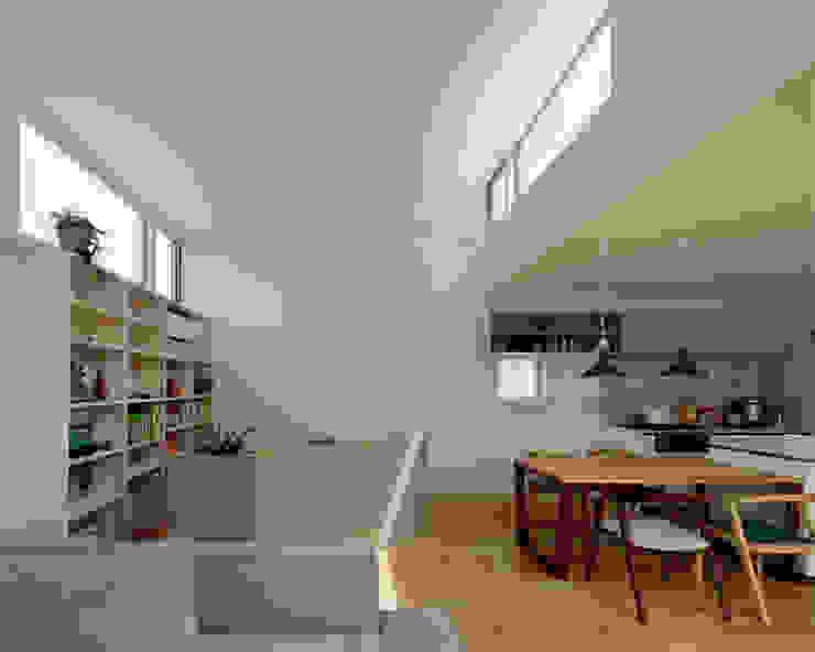 相生の家 モダンデザインの リビング の arc-d モダン