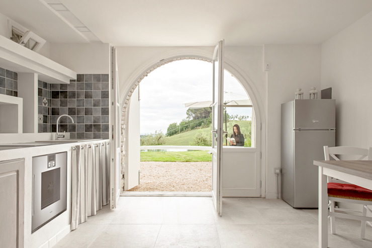 Luca Bucciantini Architettura d' interni Salon minimaliste Béton Blanc