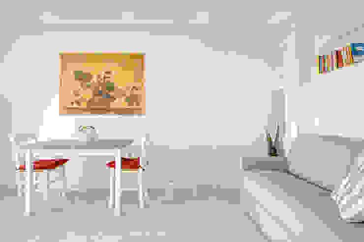 The View Soggiorno minimalista di Luca Bucciantini Architettura d' interni Minimalista Cemento