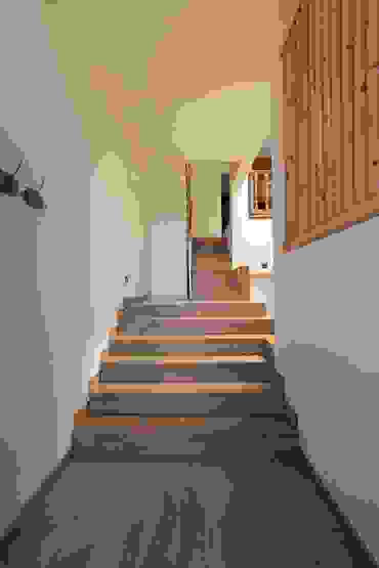 Escalera CREAPROJECTS. Interior design. Escaleras Madera maciza