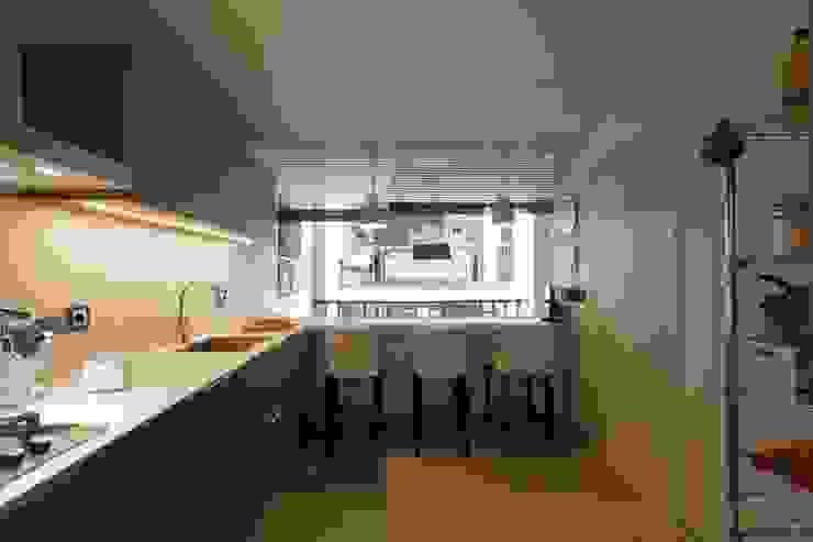 Cocina CREAPROJECTS. Interior design. Cocinas de estilo ecléctico