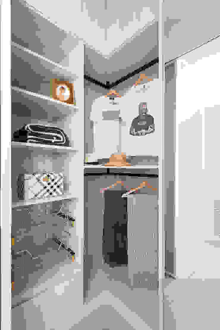 旅與憩 Scandinavian style dressing room by 知域設計 Scandinavian