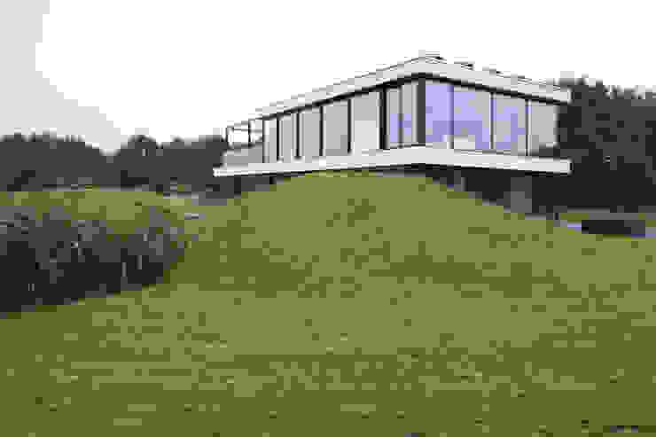 Villa op een heuvel van ARCHiD Modern