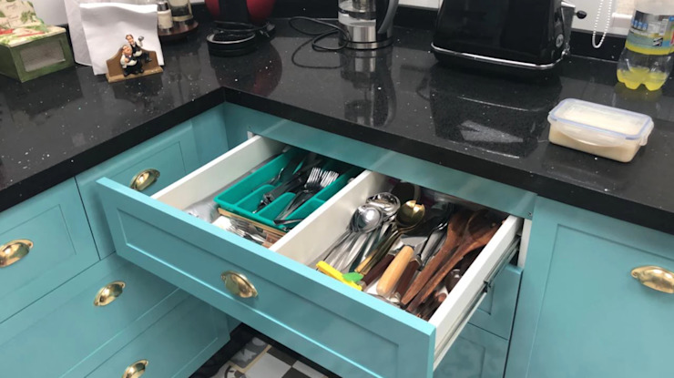 Cajón de utensilios Entorno Estudios CocinaVasos, cubiertos y vajilla Aglomerado Turquesa