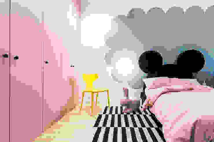 Lugerin Architects Nursery/kid's room Wood Pink
