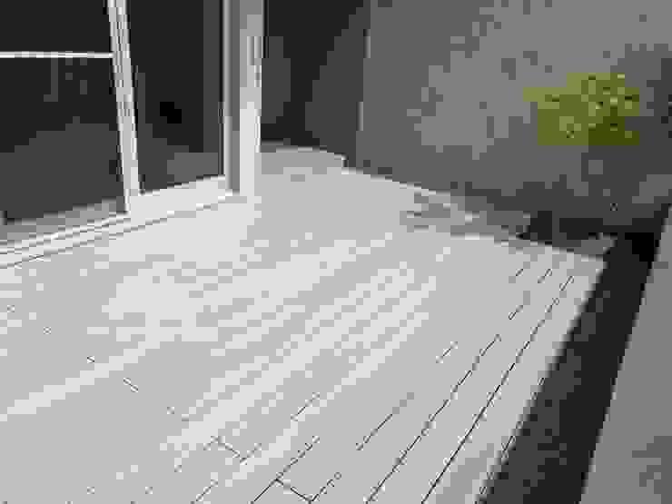 【塑木陽台、露臺—沉悶刻板一掃而光】 根據 新綠境實業有限公司 簡約風 塑木複合材料