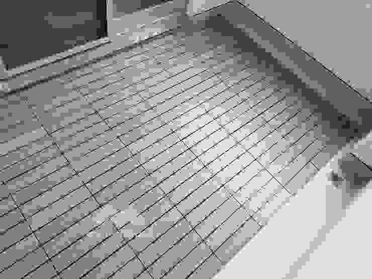 【卡扣式快組地板—現代淺灰色】 根據 新綠境實業有限公司 現代風 塑木複合材料