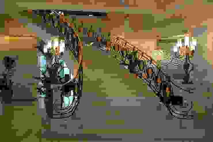 ferforje merdiven korkuluğu savfer metal sanat atölyesi Klasik Demir/Çelik