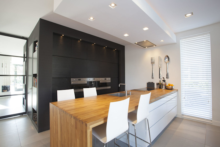 Keuken villa Oranjeburgh van Thijssen Verheijden Architecture & Management Modern Hout Hout