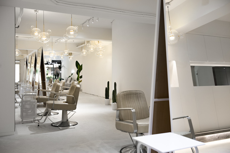 Salas de estilo minimalista de 肯星室內設計 Minimalista