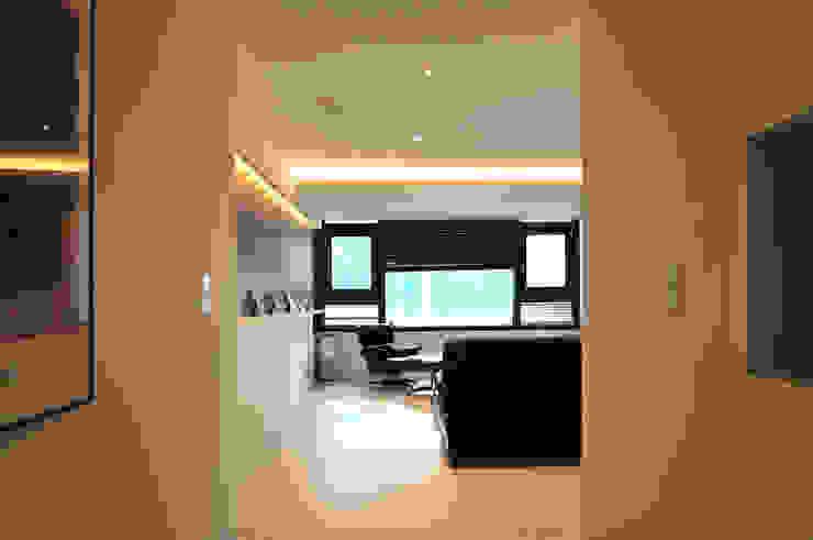 Modern Living Room by 레이어비(Layer_B) Modern Wood Wood effect