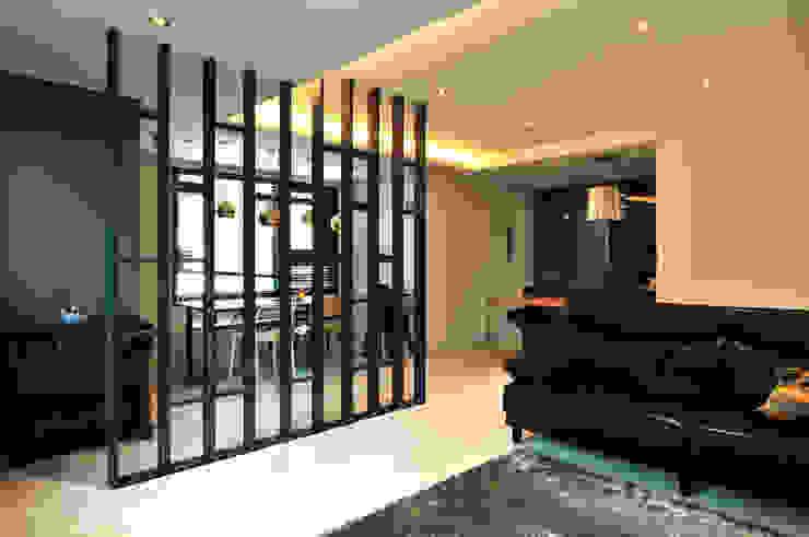 Modern Living Room by 레이어비(Layer_B) Modern Metal