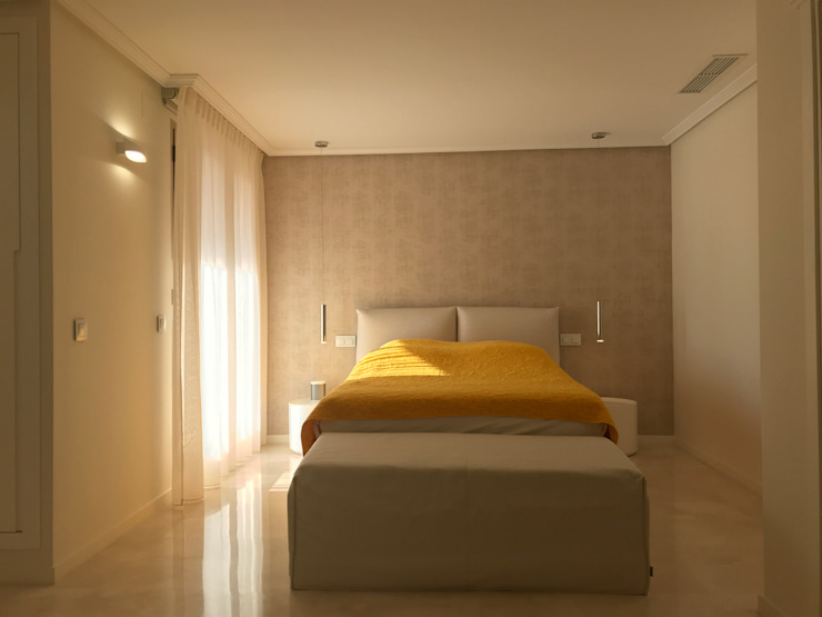 Reforma apartamento Sta. Ponça. Dormitorio Dormitorios de estilo minimalista de FOCUS Arquitectura Minimalista