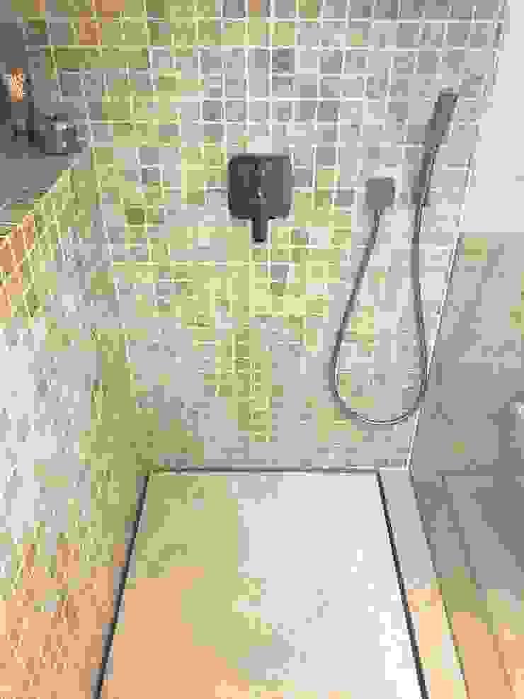 Reforma apartamento Sta. Ponça. Baño principal Baños de estilo minimalista de FOCUS Arquitectura Minimalista Caliza