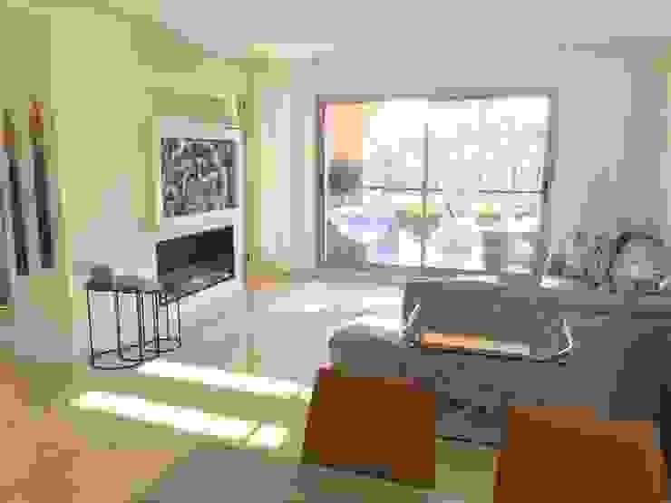 Reforma apartamento Sta. Ponça. Salón Salones de estilo minimalista de FOCUS Arquitectura Minimalista Mármol