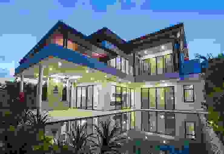 House Khan Modern houses by WG Architects Modern