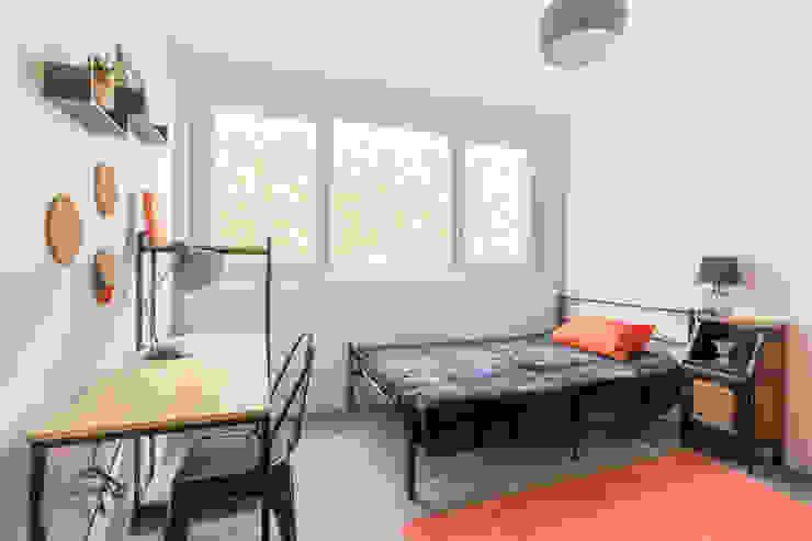 appartement étudiant Chambre industrielle par Elahe-Deco Industriel