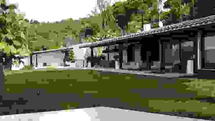 Jardines de estilo mediterráneo de GreenEv LD Mediterráneo