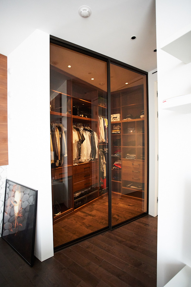 Modern style dressing rooms by Raumplus Modern