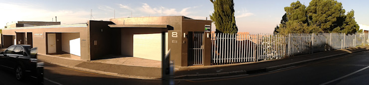 Main entrance by Holloway and Davel architects