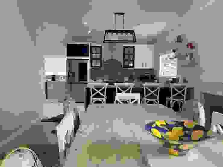 Kitchen revamp CS DESIGN Built-in kitchens MDF White