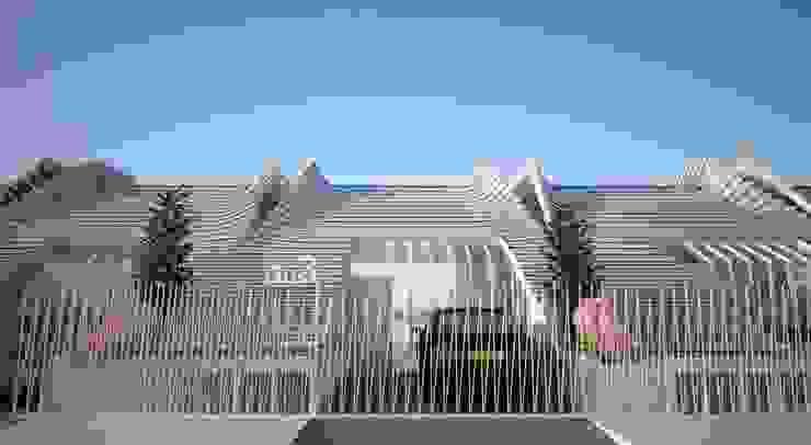 acceso desde calle GilBartolome Architects Casas adosadas
