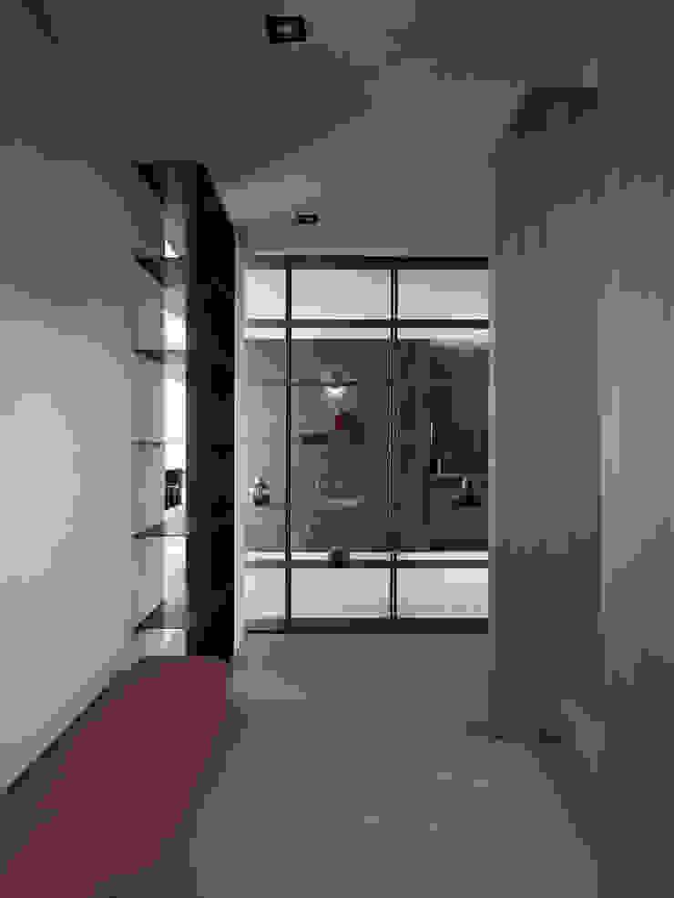 我們住一起 現代風玄關、走廊與階梯 根據 創境國際室內裝修有限公司 現代風 磁磚