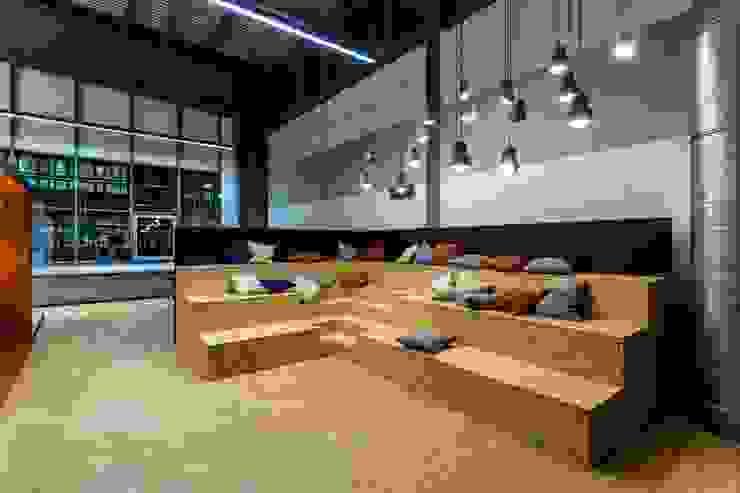 Ortswechsel Industriale Bürogebäude von stanke interiordesign Industrial