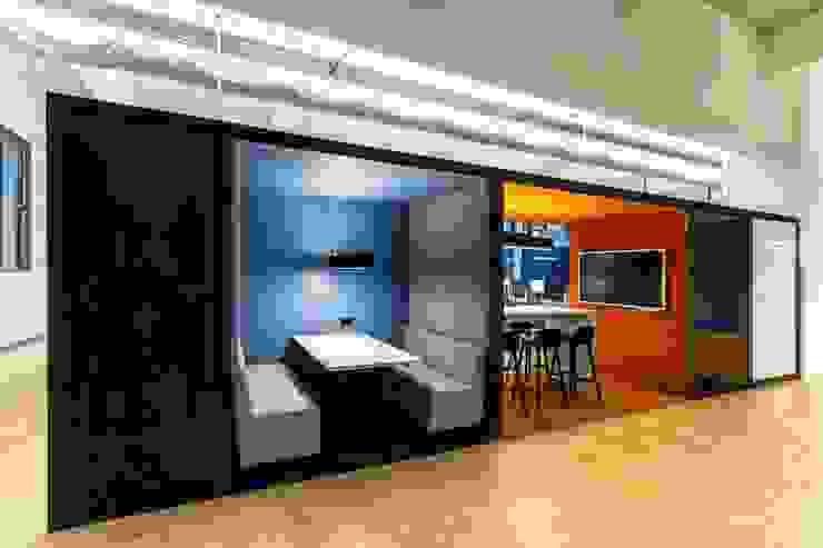 Große Raumboxen Industriale Bürogebäude von stanke interiordesign Industrial