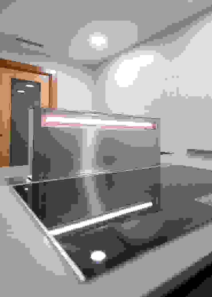Oleh Grupo Inventia Modern Aluminium/Seng