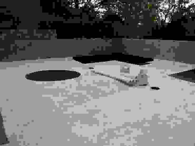 Terraza en Condominio Balcones y terrazas minimalistas de 11 creativos Minimalista