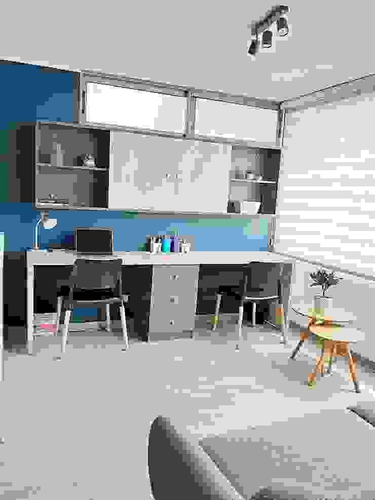 Sala de estar y escritorio de Estudio Arquitectura y construccion PR/ Arquitectura, Construccion y Diseño de interiores / Santiago, Rancagua y Viña del mar Moderno