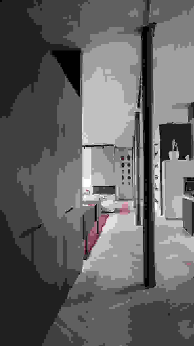 Modern corridor, hallway & stairs by Anastasia Schuler Modern